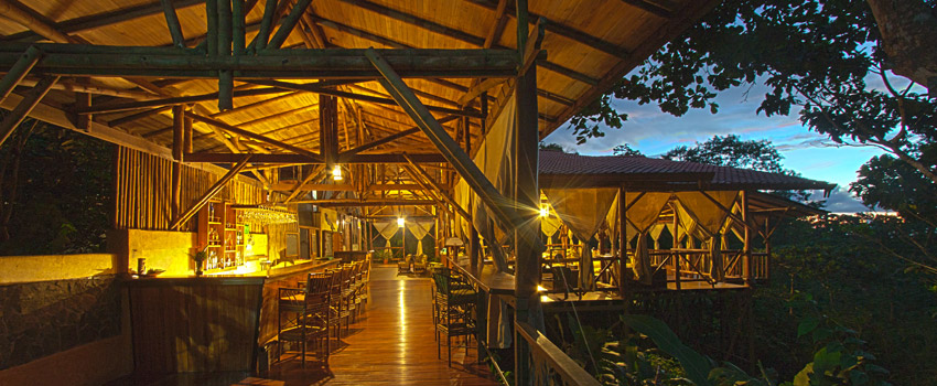 El Remanso Bar and Restaurant