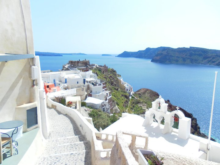 Oia Inside the Town