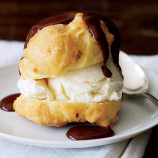 cream puffs with chocolate